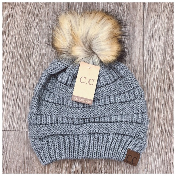 8de33fc64e7 1HR SALE✨ New light grey faux fur Pom beanie hat